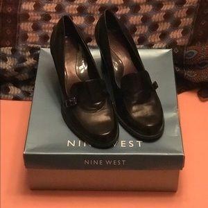 Size 9.5 Black Leather Nine West Heels
